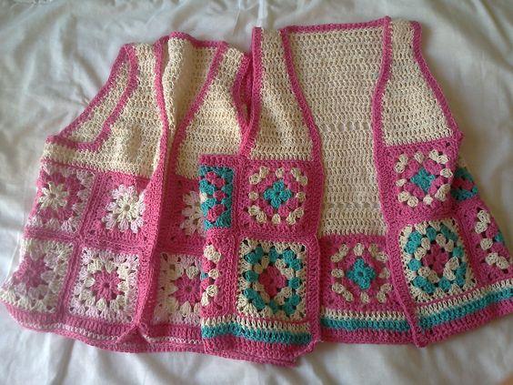 como hacer un chaleco en crochet para niña con grannys