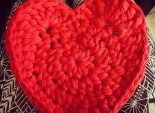 Aprende cómo hacer un corazón a crochet rápido y fácil